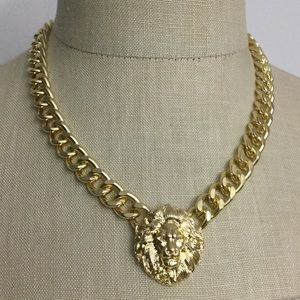 """Jewelry - NWOT Lion Curb Link Necklace Goldtone 18"""" Long"""